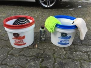 Zwei Eimer Handwäsche