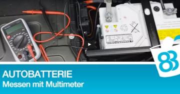 Autobatterie Volt Spannung mit Multimeter messen