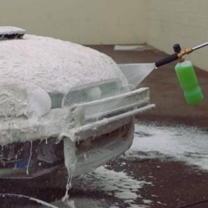 Snow Foam Autowäsche