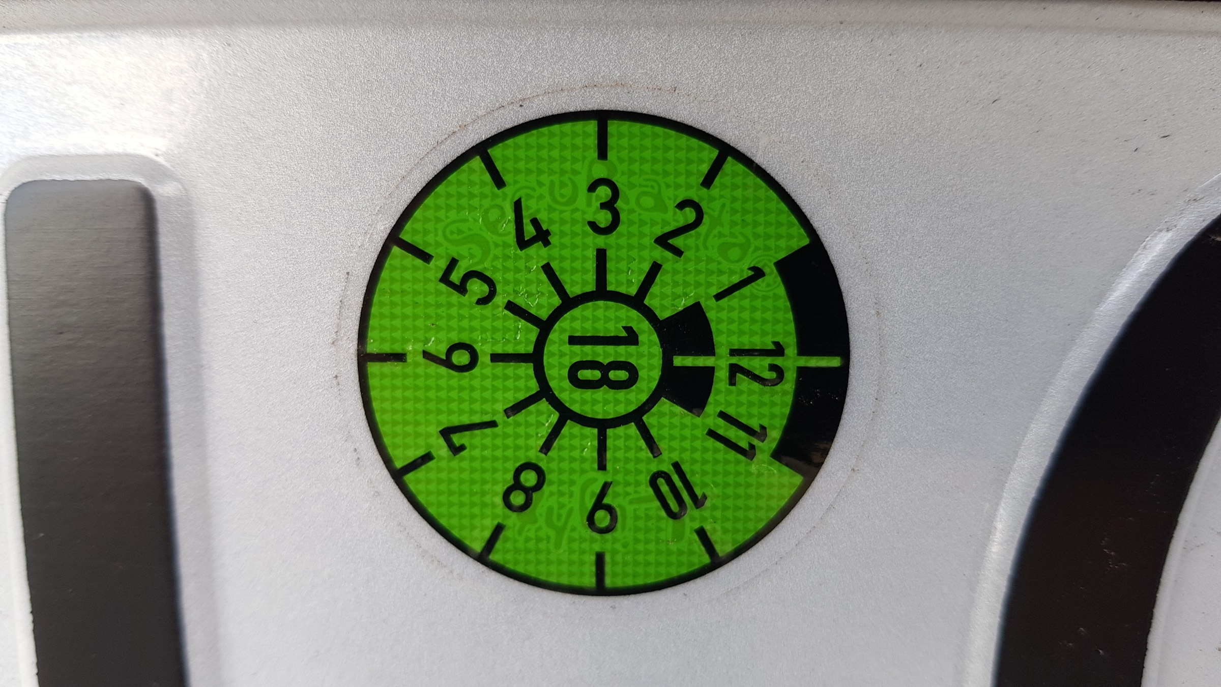 Farben Der Tuv Plakette 83metoo
