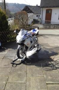 Motorrad zu Hause waschen