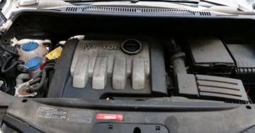 Motorraum reinigen