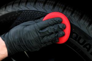 Sonax Reifenglanz Gel Anwendung