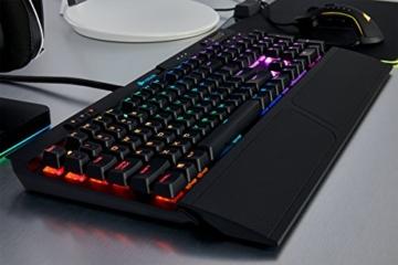 Corsair K70 RGB MK.2 Mechanische Gaming Tastatur (Cherry MX Silent: Leichtgängig und Flüsterleise, Dynamischer RGB LED Hintergrundbeleuchtung, QWERTZ DE Layout) schwarz - 5